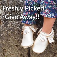"""Hey friends Who loves Freshly Picked moccasins as much as I do? Well guess what? I've teamed up with Freshly Picked to give away a pair of soft sole moccasins (in your choice of color and size) to one of my followers! How cool is that?!!  If you're not familiar with Freshly Picked moccasins head over to the blog (link in profile) for my review and you're sure to become a fan too! They really are the best baby/toddler shoes around. -- To enter simply """"like"""" this post make sure you're…"""
