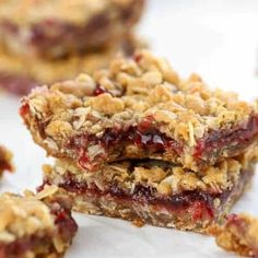 Jam Filled Oatmeal Cookie Bars - Buttery brown sugar Oatmeal Bars with a fruity jam filling. Recipes Using Cake Mix, Recipe Using, No Bake Desserts, Dessert Recipes, Dessert Ideas, Bar Recipes, Recipies, Sweet Desserts, Easy Desserts
