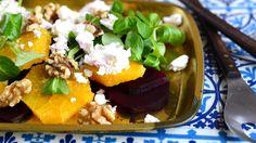 Maukas talvisalaatti tehdään punajuuresta ja appelsiinista.