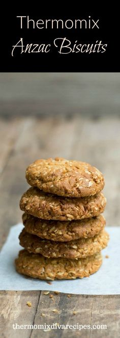 Thermomix Anzac Biscuits - celebrate Anzac Day with these traditional biscuits. A simple recipe made with rolled oats, coconut and golden syrup, they are ready in less than 30 minutes. Easy Cake Recipes, Baby Food Recipes, Baking Recipes, Biscuit Cake, Biscuit Recipe, Thermomix Recipes Healthy, Fermented Bread, Coconut Biscuits, Anzac Biscuits