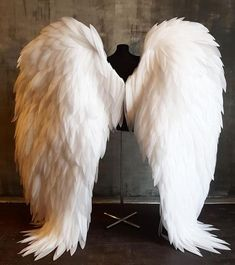 Angel Wings Costume, Diy Angel Wings, Cosplay Wings, White Angel Wings, Diy Wings, Angel Costumes, Angel Wings Halloween, Feather Angel Wings, Cute Angel Costume