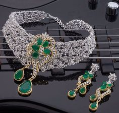 bridal jewelry for the radiant bride Jade Jewelry, Modern Jewelry, Wedding Jewelry, Jewelry Accessories, Jewelry Design, Real Diamond Necklace, Diamond Jewelry, Emerald Diamond, Floral Necklace