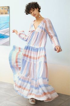 The complete Stella McCartney Resort 2017 fashion show now on Vogue Runway. Fashion 2017, Fashion Show, Womens Fashion, Fashion Design, Photos Of Dresses, Stella Mccartney Dresses, One Piece Dress, Dress Patterns, Vogue