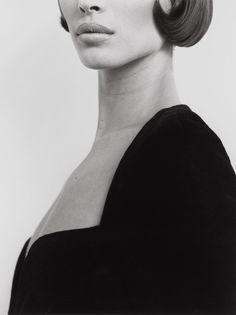 Christy Turlington, Versace 3, Milan, 1991. © Herb Ritts Foundation