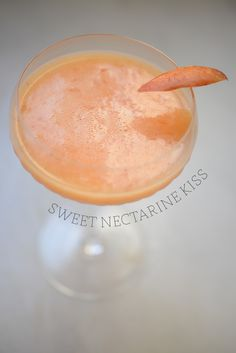 sweet nectarine kiss cocktail #summer #recipe