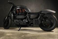 Triumph Rocket III Custom Matte Black