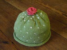 Cute little knitted hat. Prinsesstårta