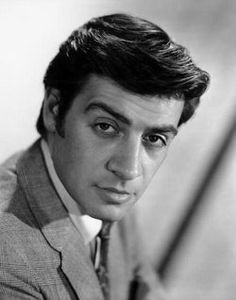 Jerry Orbach- know him from law and order Film History, Famous People, Handsome Actors, Comedians, Hooray For Hollywood, Singer, Interesting Faces, People, Celebrities