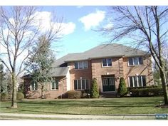 MLS: 1305425 - 84 Andrea Ct, #Paramus, NJ 07652 — $919,900 Classic Cntr Hall Col. On Picturesque Street in Highly  Desirable Howland Forest. This Gracious Home With Its Open Floor Plan Is Perfect For Entertaining Or Just Plain Easy Living. Offering 5 Bedrooms 3.5 Baths. Close to #NYC!