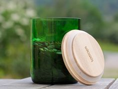 Aufbewahrungsdose, Upcycling aus alter weinflasche / upcycling: glass can made of old wine bottle by Looops via DaWanda.com