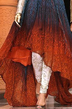 mmmmm i think we can replicate this in non-couture Style Boho, Style Me, Boho Chic, Look Fashion, Indian Fashion, High Fashion, Orange Gris, Burnt Orange, Red Frock