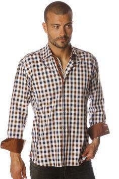 Chemise homme gros carreaux marrons en coton pur avec sa patte de boutonnage, intérieur col et et poignet  marron au contraste subtil.
