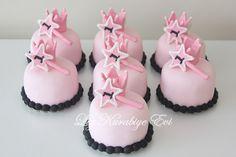 Liz Kurabiye Evi: Prenses Temalı Pasta,Kurabiye,Cupcake ve Popcakeler