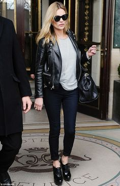 Kate Moss | Minimal + Chic | @CO DE + / F_ORM
