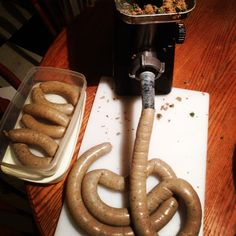 How to Make Authentic Cajun Boudin – Even if You've Never Been to Louisiana - FamilyNano Jalapeno Sausage Recipe, Homemade Sausage Recipes, Wild Game Recipes, Cajun Recipes, Cajun Food, How To Make Sausage, Food To Make, Sausage Making, How To Cook Boudin