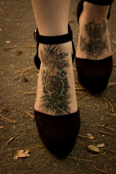 Tree on foot tattoo: As above, so below. - Tree on foot tattoo: As above, so below. The Effective Pictures We Offer You About Foot Tattoos sid - Pisces Tattoos, Sun Tattoos, Life Tattoos, Body Art Tattoos, Sleeve Tattoos, Tatoos, Tattoo Placement Foot, Cute Foot Tattoos, Pretty Tattoos