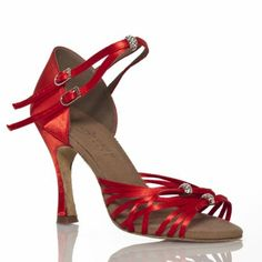 chaussure de danse couleur rouge vermeille satinée avec deux bandes fines et une boule décorative aux pierres Swarowski