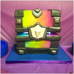 legendary chest (clash royale) cake with LED lights by pamycakes