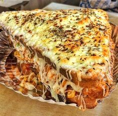 Nothing is good than a veg cheese grilled sandwich 🥪 😍😍 Grill Sandwich, Indian Food Recipes, Vegetarian Recipes, Cooking Recipes, Sandwiches, Junk Food, Mandazi Recipe, Fondue, Sleepover Food