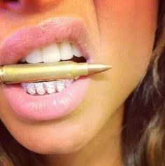 girls with grillz teeth Mouth Grills, Grills Teeth, Gold Grill, Girls With Grills, Girl Grillz, Grillz For Girls, Grillz Gold, Diamond Grillz, Diamond Teeth