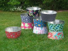 Laundry tubs or fun to plant some beautiful plants and vegetables in the backyard?  What a great way to pretty up the backyard.