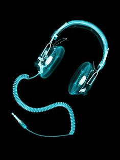 X-ray artworks / Headphones April 2009 C-Type Print 594 x x Edition of 5 / artist: Nick Veasey Computer Headphones, Deep Sea Creatures, Camera Shots, Photography Projects, Abstract Photography, Artist At Work, Pure Products, Music, Artworks