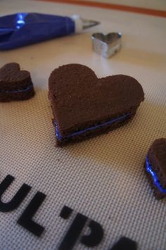 Decorating Heart Whoopie Pies made easy with Roul'Pat.