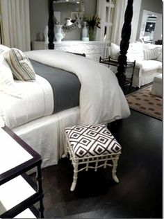 I love this bedroom, My bed room has to be slick and sexy romantic style , no TV !!! And love candles.