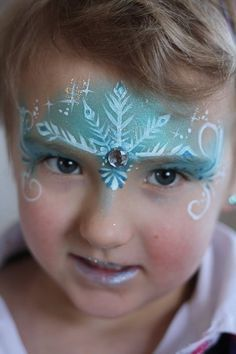 Frozen Face Painting Idea, perfect activity at a Disney Frozen birthday party! Girl Face Painting, Face Painting Designs, Painting For Kids, Body Painting, Painting Tutorials, The Face, Face And Body, Frozen Face Paint, Christmas Face Painting