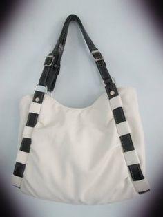 Denim Bag Patterns, Bag Patterns To Sew, Diy Bags Tutorial, Embroidery Bags, Canvas Handbags, Jute Bags, Unique Bags, Travel Cosmetic Bags, Crochet Handbags