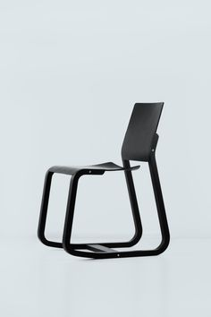 Loid is a minimalist chair created by Berlin-based designer Geckeler Michels