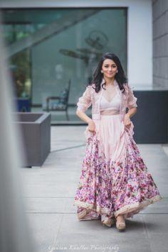 WMG Bride & Bestie : Engagement Ready In Pastels By Ridhi Mehra | WedMeGood