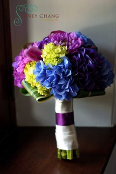 Love the colors in this bouquet! Now if I can get it to CMYK... :)    (Sidney Chang Photography)