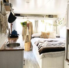 img_7518 Van Life Blog, Vintage Travel Trailers, Stylish Kids, Palms, Caravan, Tiny House, Furniture, Home Decor, Stylish Children