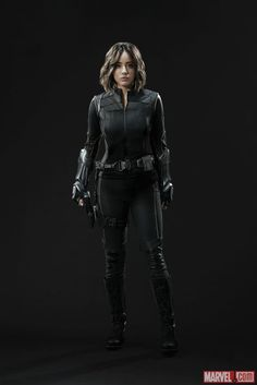 """The TV fashion show continues this week with Daisy Johnson getting her new Quake Suit for Agents of S.H.I.E.L.D. on Marvel.com. It's more the """"flat black"""" style of outfit than the…"""