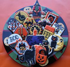 Marvelously decorated Halloween cookies! Talk a plate of fun! :) #halloween #cookies #entertaining #cute #baking #cooking #dessert #party