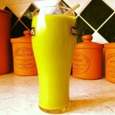 A favourite of mine - this #greensmoothie offering is Tropicale!  Recipe (serves 2): 2 small handfuls spinach 1 frozen banana 1 cup mango 1 cup pineapple Juice of l lime  Yum!
