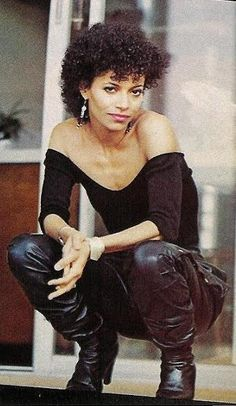 """""""You got big dreams? You want fame? Well, fame costs and this is where you start paying."""" Yasssss! Lydia Grant in Fame ~ Actress Debbie Allen"""