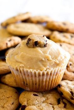 Cookie Dough Cupcakes Topped with Cookie Dough Frosting ~ Cupcake Project