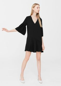 Latest trends in women's dresses. New models every week: short, long, party and evening dresses. Evening Dresses, Formal Dresses, Business Dresses, Ruffle Dress, What To Wear, Latest Trends, Mango, Model, Clothes
