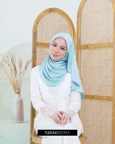 Stylish Hijab, Modest Fashion Hijab, Muslim Fashion, Simple Hijab Tutorial, Hijab Style Tutorial, Hijab Fashionista, Style Hijab Simple, Pashmina Hijab Tutorial, How To Wear Hijab