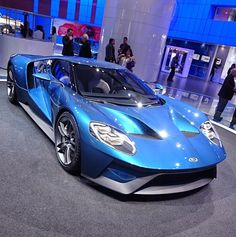 The Ford GT first captured the hearts and minds of many drivers around the world in the A mid-engine, two-seater sports car produced by Ford Ford Gt 2017, Cool Sports Cars, Super Sport Cars, Ford Motor Company, Ford Gt40, Sweet Cars, Car Ford, Mustang, Amazing Cars