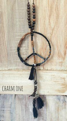 Ketten lang - LEDERBAND KETTE *Peace for all* schwarz-bronze - ein Designerstück von charm_one bei DaWanda