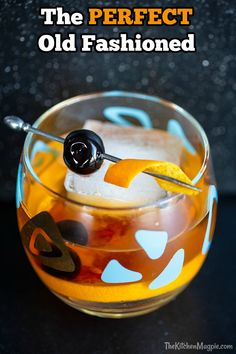 The Perfect Old Fashioned Cocktail The Kitchen Magpie Best Whiskey Cocktails, Whisky Cocktail, Classic Cocktails, Cocktail Drinks, Cocktail Recipes, Alcoholic Drinks, Beverages, Bourbon Drinks, Fun Drinks