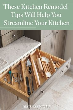 These Kitchen Remodel Tips Will Help You Streamline the Heart of Your Home – Type Of Kitchen Storage Kitchen Room Design, Kitchen Cabinet Design, Home Decor Kitchen, Kitchen Ideas, Kitchen Interior, Kitchen Hacks, Kitchen Makeovers, Simple Kitchen Design, Kitchen Planning