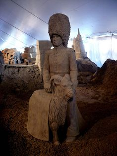 (a):Sand Sculpture:Batisse with Guard | Flickr - Photo Sharing!