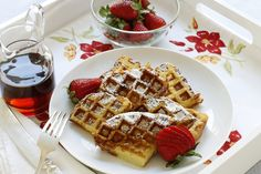 The custardy richness of French toast withwaffle's crispy ridges is a match made in breakfast heaven. Here's how to make French toast in your waffle iron.