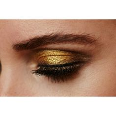 Interview Pat McGrath and the new GOLD 001 ❤ liked on Polyvore featuring modelo