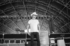Stagecoach 2013: Onstage and Behind the Scenes Pictures - Chris Shiflett | Rolling Stone RSさんスペル間違ってる