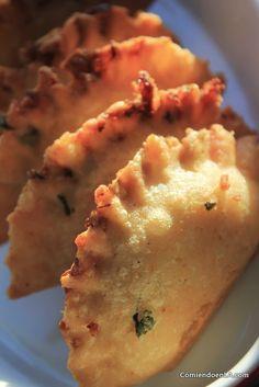Receta de empanadas rellenas de arroz con carne desmechada - #recetas